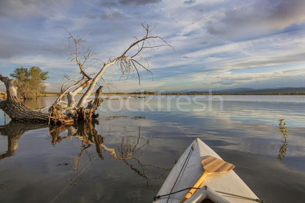 Széles látószögű kilátás kenu higgadt tó víztározó Stock fotó © PixelsAway