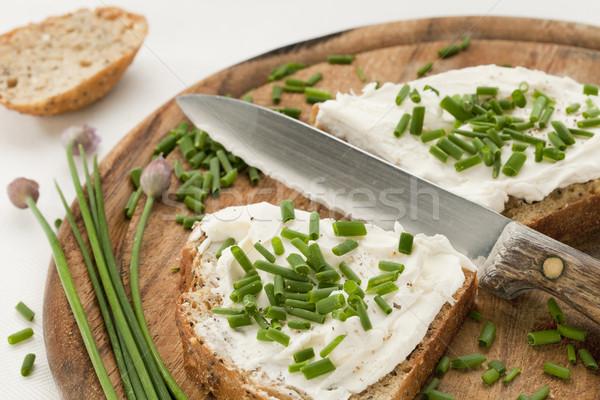 Pão creme queijo cebolinha inteiro grão Foto stock © PixelsAway