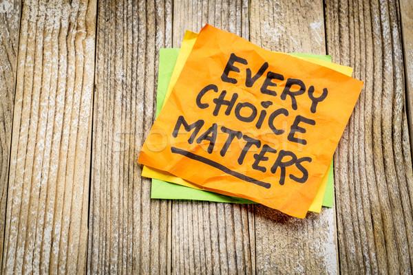 Seçim hatırlatma yapışkan not grunge ahşap tahta Stok fotoğraf © PixelsAway