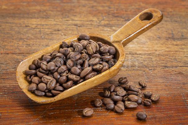 Kepçe kahve çekirdekleri rustik grunge boyalı Stok fotoğraf © PixelsAway