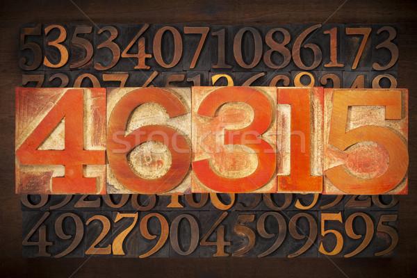 Sayısal soyut sayılar bağbozumu ahşap Stok fotoğraf © PixelsAway