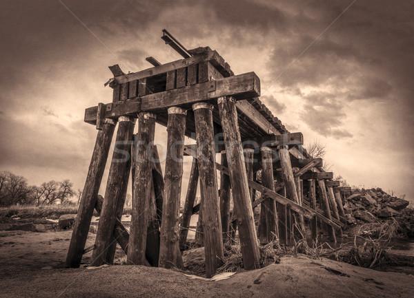 破壊された 鉄道 木材 川 洪水 小川 ストックフォト © PixelsAway