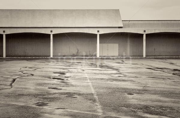 Boş otopark kapalı aşağı alışveriş merkezi yağmur Stok fotoğraf © PixelsAway