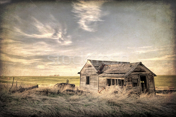 abandoned homestead on prairie Stock photo © PixelsAway