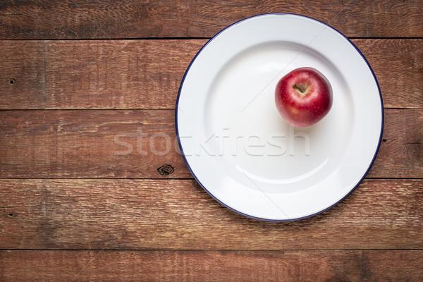 Stock fotó: Piros · alma · fém · fogzománc · tányér · fehér · rusztikus