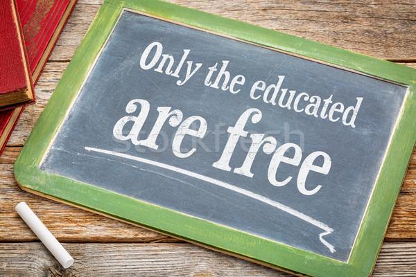 Tanult szabad inspiráló üzenet iskolatábla fehér Stock fotó © PixelsAway