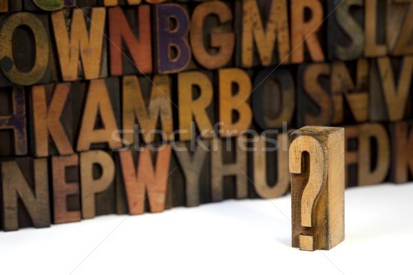 Foto stock: Pergunta · ponto · de · interrogação · fora · foco · alfabeto · parede