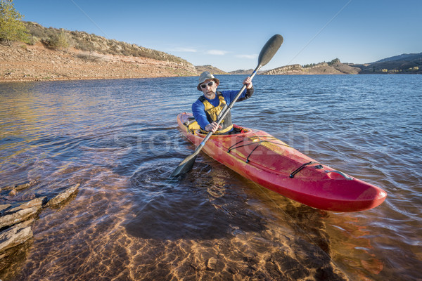 Foto stock: Rio · caiaque · lago · senior · masculino · colorido