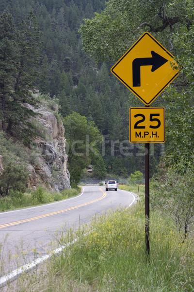 25 mph montana carretera velocidad fuerte Foto stock © PixelsAway