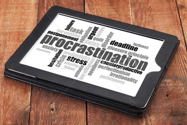 Procrastinação nuvem da palavra digital comprimido vermelho celeiro Foto stock © PixelsAway