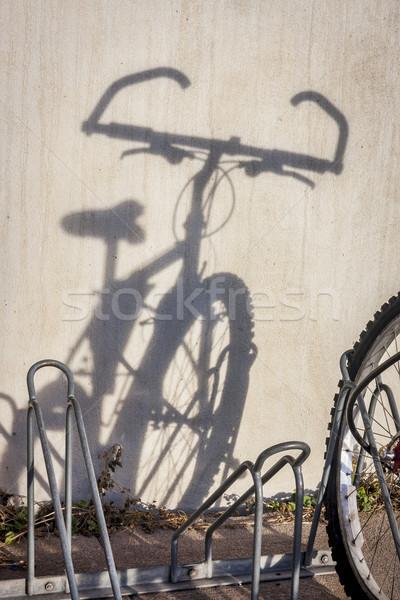 Hegyi kerékpár árnyék fal hegy bicikli utca Stock fotó © PixelsAway