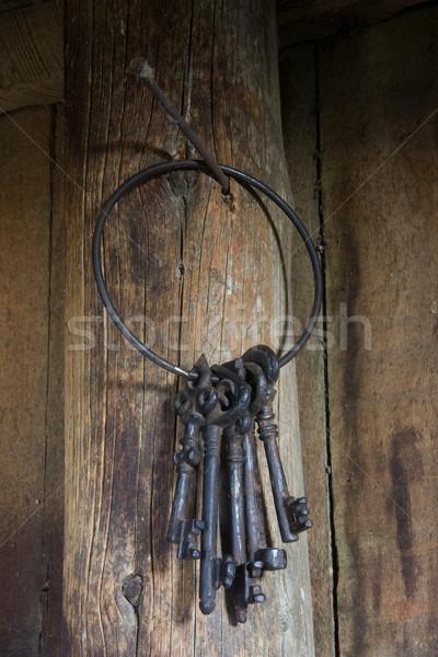 Gyűrű nehéz klasszikus kulcsok akasztás posta Stock fotó © PixelsAway