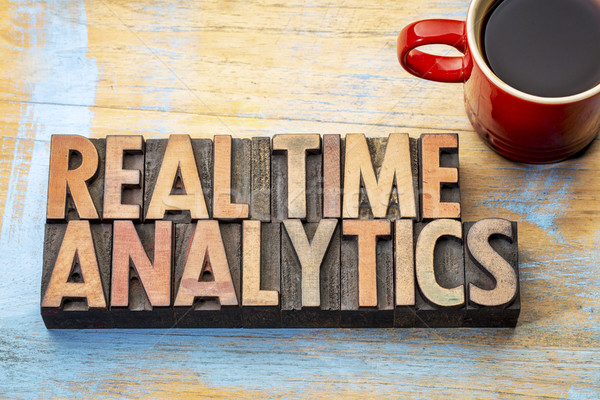 Echt tijd analytics hout type woord Stockfoto © PixelsAway