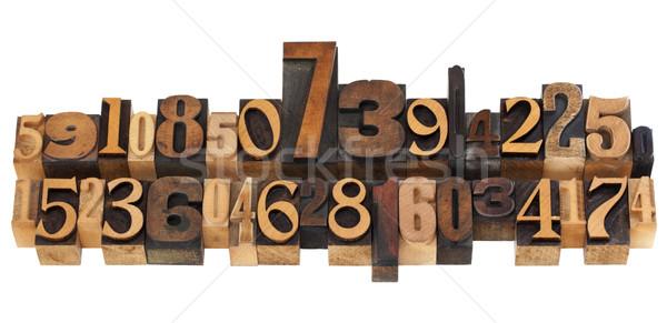 ランダム 番号 タイプ 数の 2 ストックフォト © PixelsAway