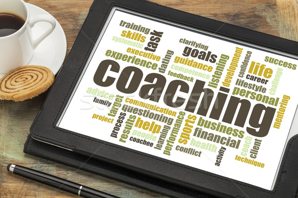 Coaching Wort-Wolke digitalen Tablet Tasse Kaffee Stock foto © PixelsAway