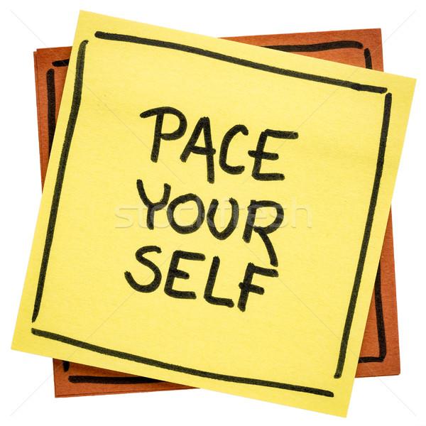 Passo você mesmo lembrete nota letra isolado Foto stock © PixelsAway