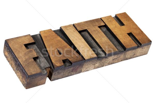 Geloof woord hout type geïsoleerd tekst Stockfoto © PixelsAway