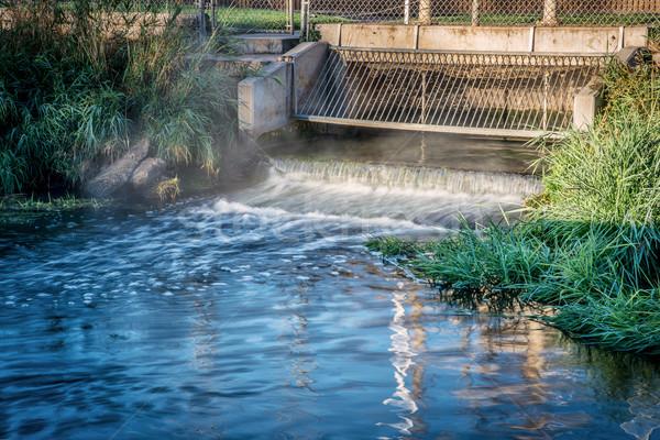 Szennyvíz folyik ki víz létesítmény zöld Stock fotó © PixelsAway