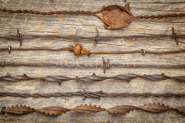 ヴィンテージ 有刺鉄線 コレクション さびた 素朴な 納屋 ストックフォト © PixelsAway