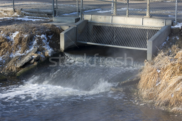 Szennyvíz folyik ki víz létesítmény erőd Stock fotó © PixelsAway