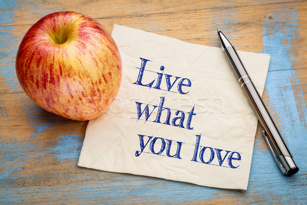 Yaşamak ne sevmek el yazısı peçete taze Stok fotoğraf © PixelsAway