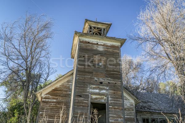 öreg elhagyatott vidéki harang torony fák Stock fotó © PixelsAway