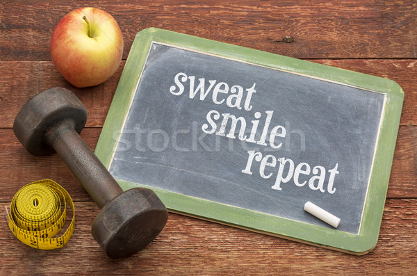 汗 笑顔 繰り返し フィットネス 黒板 にログイン ストックフォト © PixelsAway