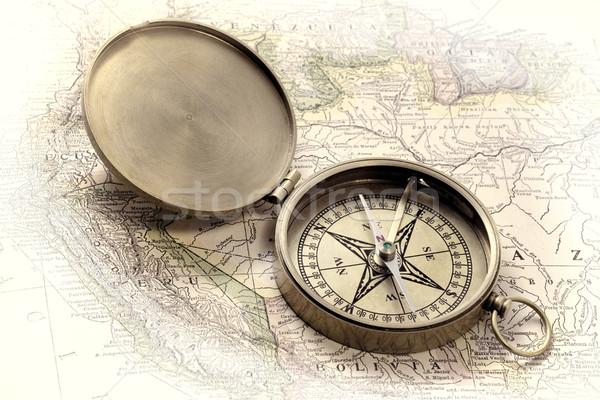 Messing kaart vintage zak kompas Stockfoto © PixelsAway