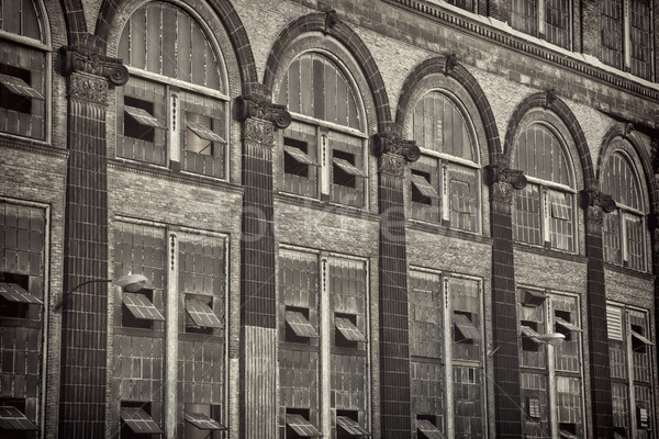 Windows starych elektrownia cegły ściany piaskowiec Zdjęcia stock © PixelsAway