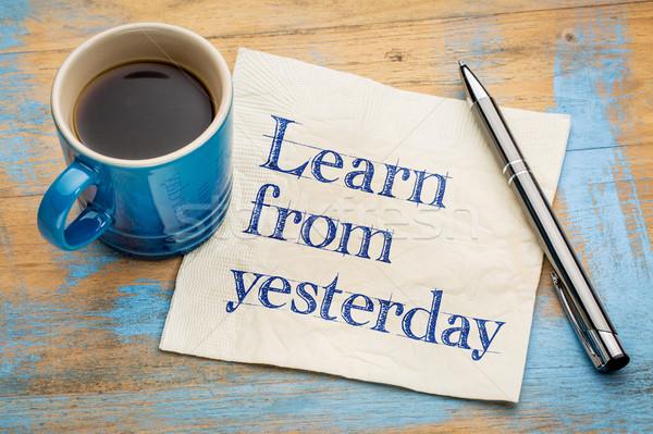 Aprender ontem letra guardanapo copo café expresso Foto stock © PixelsAway