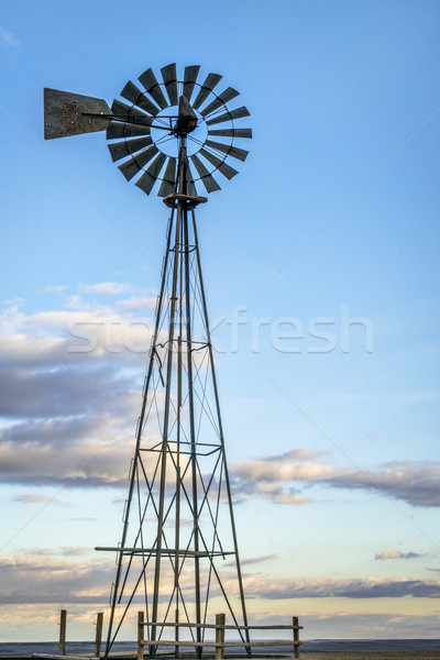 Windmolen Colorado prairie pompen vee water Stockfoto © PixelsAway