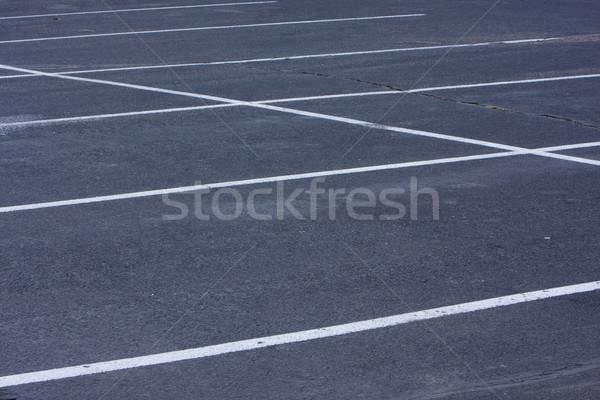 Pusty parking biały linie szorstki pęknięty Zdjęcia stock © PixelsAway