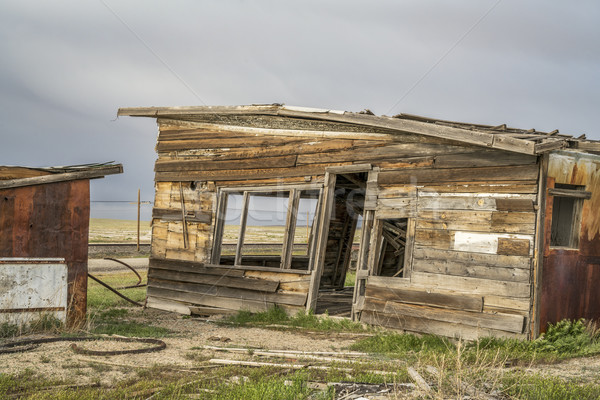 Oude store tankstation verlaten spookstad gebouw Stockfoto © PixelsAway