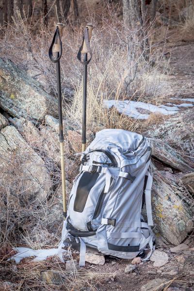 Sırt çantası trekking yürüyüş doğa kış kaya Stok fotoğraf © PixelsAway