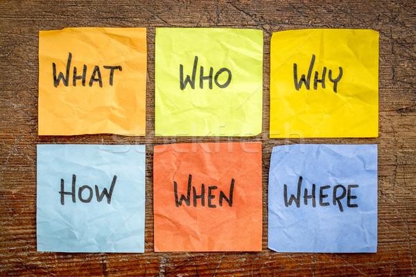 Lluvia de ideas la toma de decisiones preguntas qué incertidumbre colorido Foto stock © PixelsAway