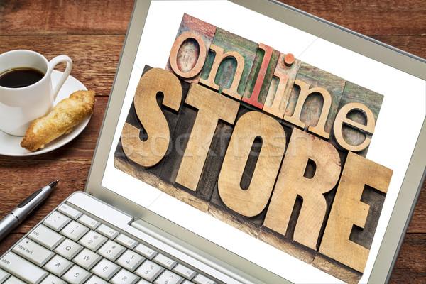 Online bolt szöveg magasnyomás fa laptop Stock fotó © PixelsAway