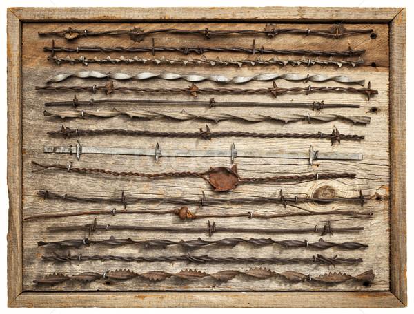 Bağbozumu dikenli tel paslı toplama yalıtılmış ahır Stok fotoğraf © PixelsAway