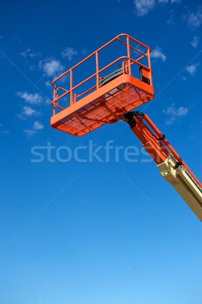 Orange utilitaire construction ascenseur hydraulique utilisé Photo stock © pixelsnap