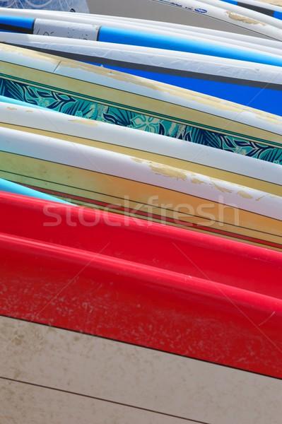 Csetepaté színes szörfdeszkák fektet homok Hawaii Stock fotó © pixelsnap