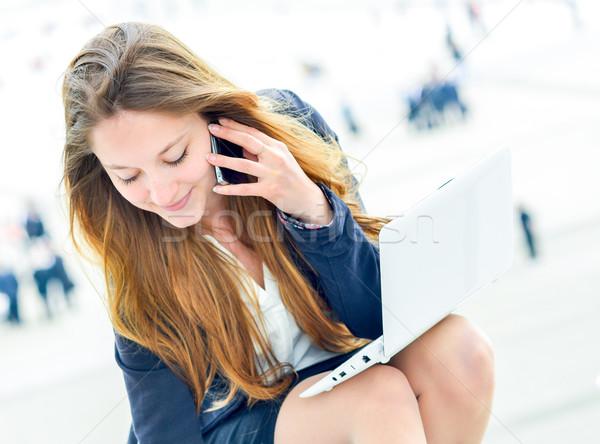 Dynamique jeunes exécutif prendre des notes l'ordre du jour fille Photo stock © pixinoo