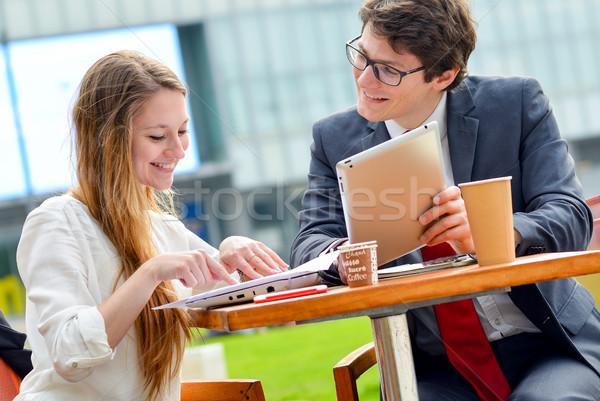 Stock fotó: Fiatal · igazgató · üzleti · csapat · kint · asztal · tervez