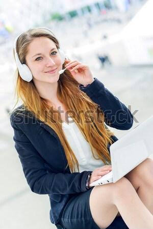 Exécutif fille travail écran tactile comprimé dynamique Photo stock © pixinoo