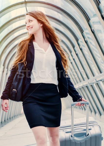 執行 ダイナミック 出張 女性 作業 徒歩 ストックフォト © pixinoo