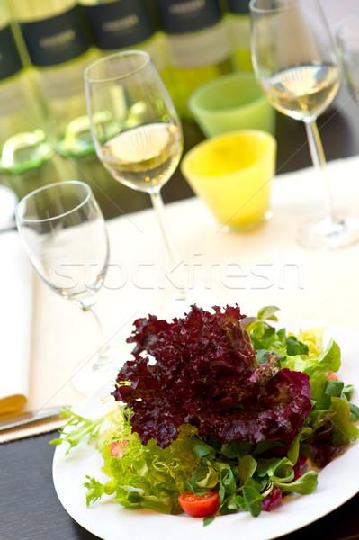 Banket tabel salade wijn glas restaurant Stockfoto © pixpack