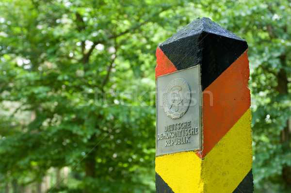 Demokratik kırmızı siyah sınır Almanya işaret Stok fotoğraf © pixpack