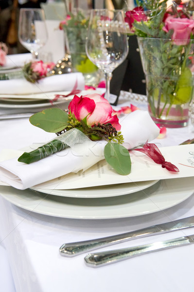 Couvert banquet rouge roses rouges décoration table Photo stock © pixpack