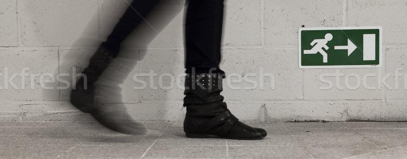 Lopen uitgang muur abstract mannen groene Stockfoto © PiXXart