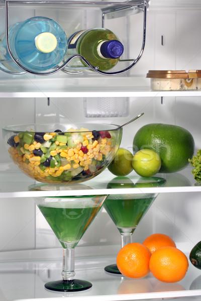Dentro completo alimentos frescos geladeira maçã beber Foto stock © ppart