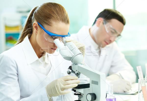 Klinikai tanulás komoly tanul vegyi alkotóelem Stock fotó © pressmaster