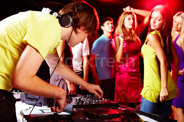 Photo stock: Night-club · puce · deejay · danse · adolescents · fille